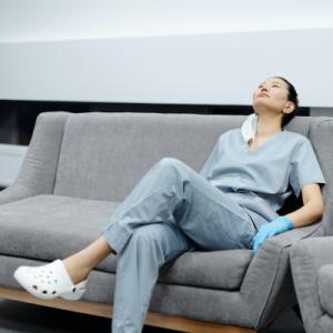 Infirmière épuisée